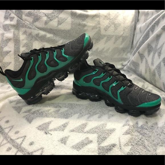 0c5c97d816a84 Nike Air Vapormax Plus. NWT